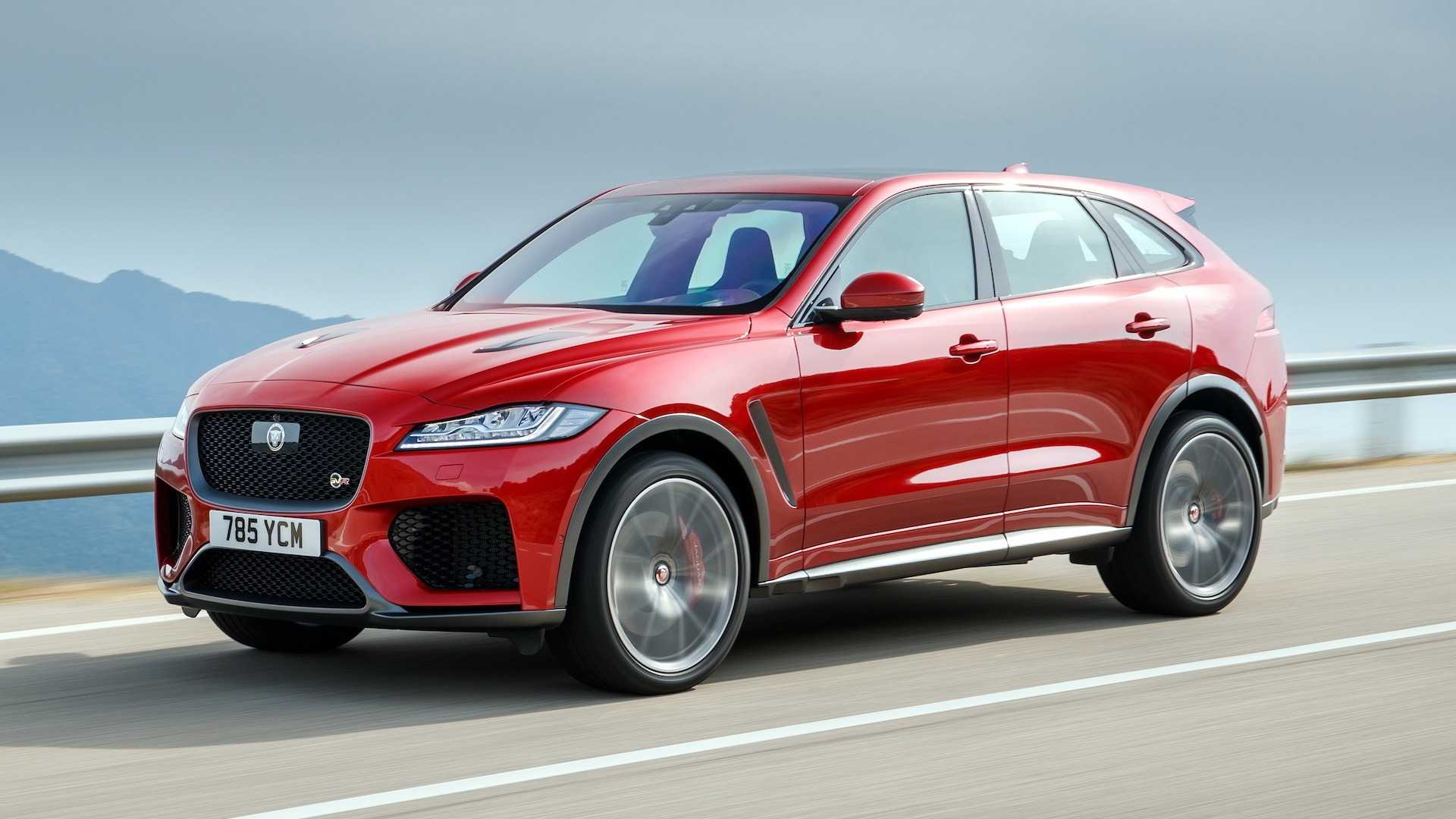 2019 Jaguar F-Pace SVR (Color: Firenze Red) Front Three-Quarter Wallpapers (2)
