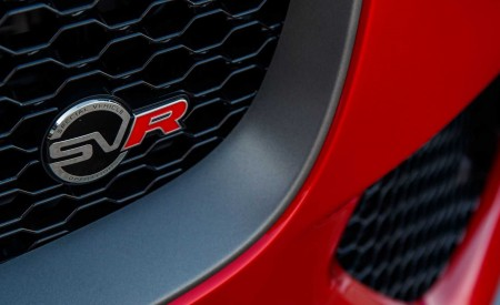 2019 Jaguar F-Pace SVR (Color: Firenze Red) Grill Wallpapers 450x275 (43)