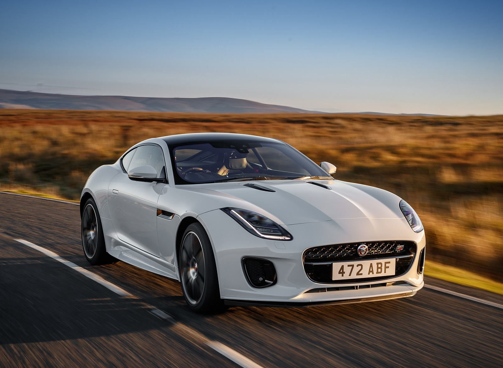 2019 Jaguar F-Type Chequered Flag Edition Front Wallpaper (1)