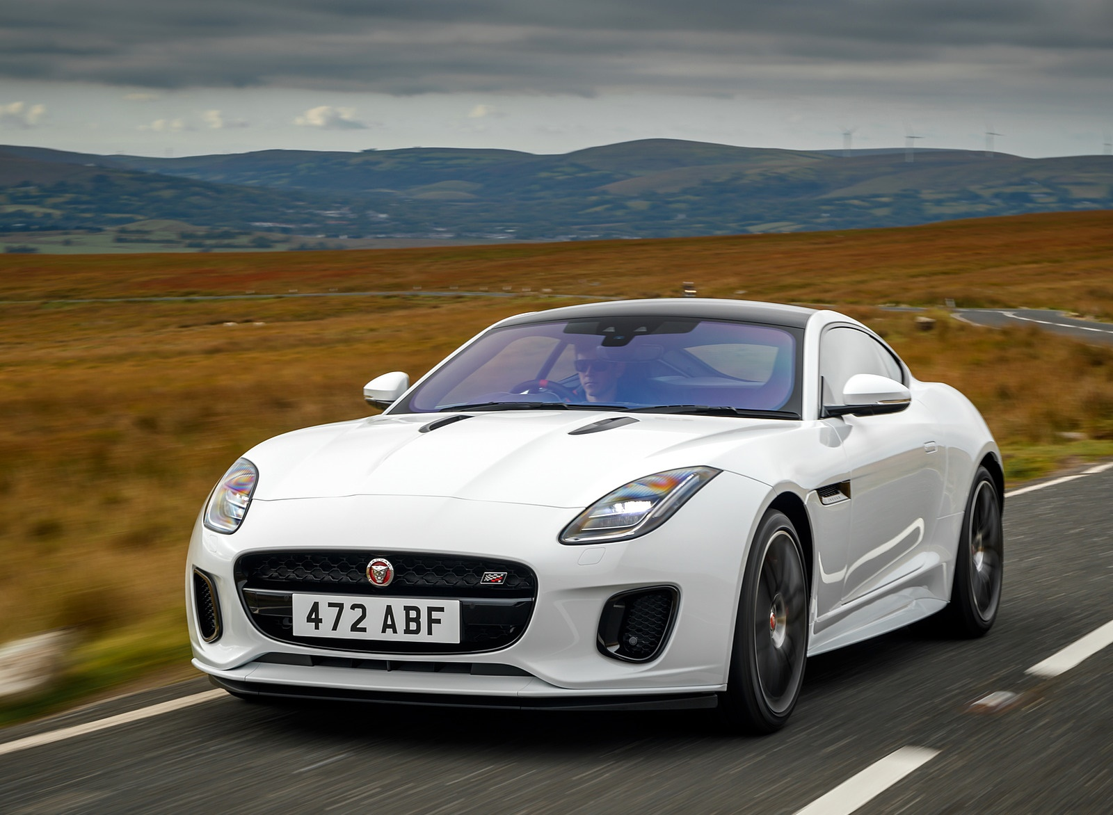 2019 Jaguar F-Type Chequered Flag Edition Front Wallpaper (3)