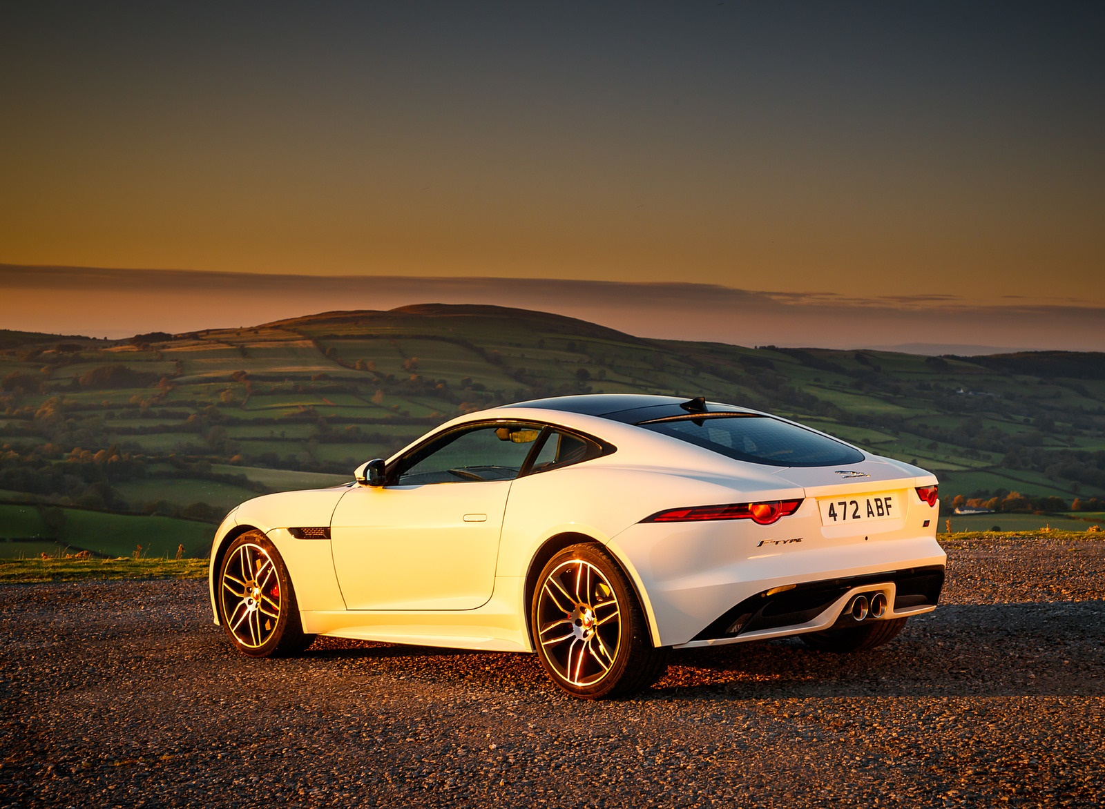 2019 Jaguar F-Type Chequered Flag Edition Rear Three-Quarter Wallpaper (11)