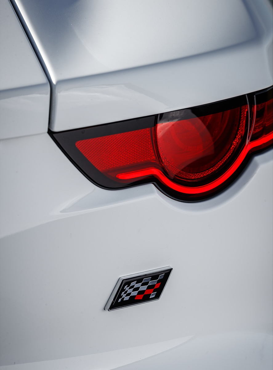 2019 Jaguar F-Type Chequered Flag Edition Tail Light Wallpaper (13)