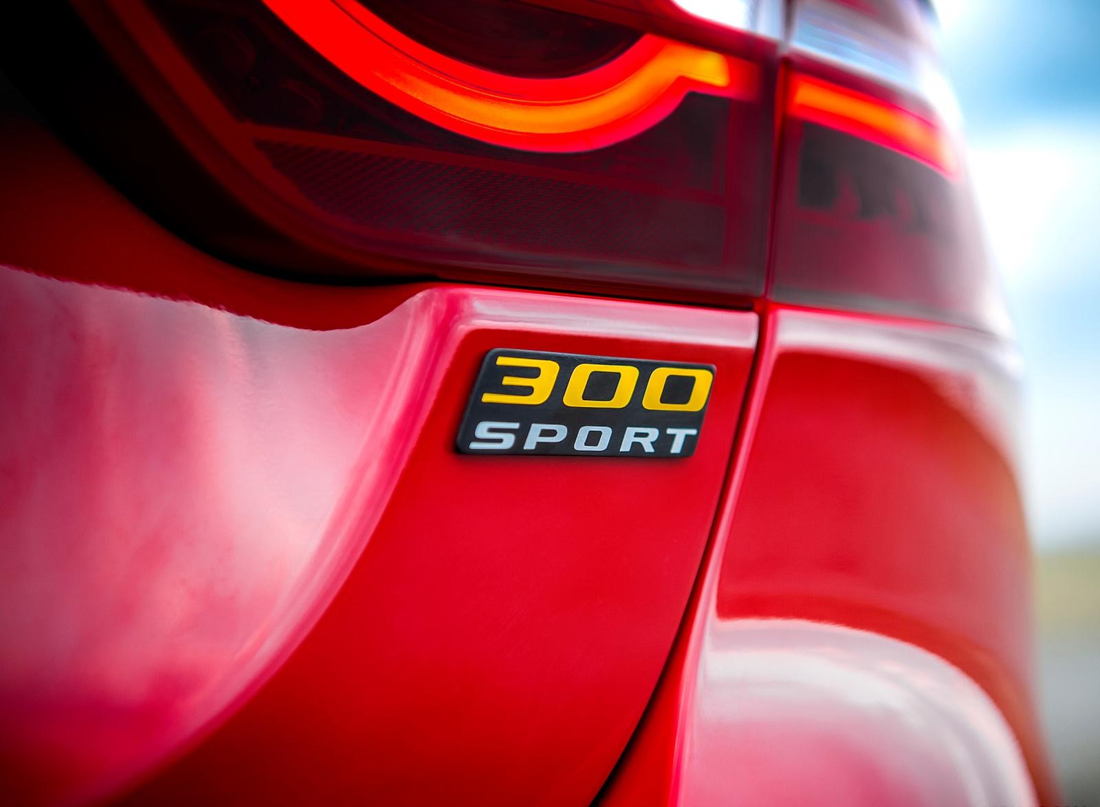 2019 Jaguar XE 300 SPORT Badge Wallpapers (11)