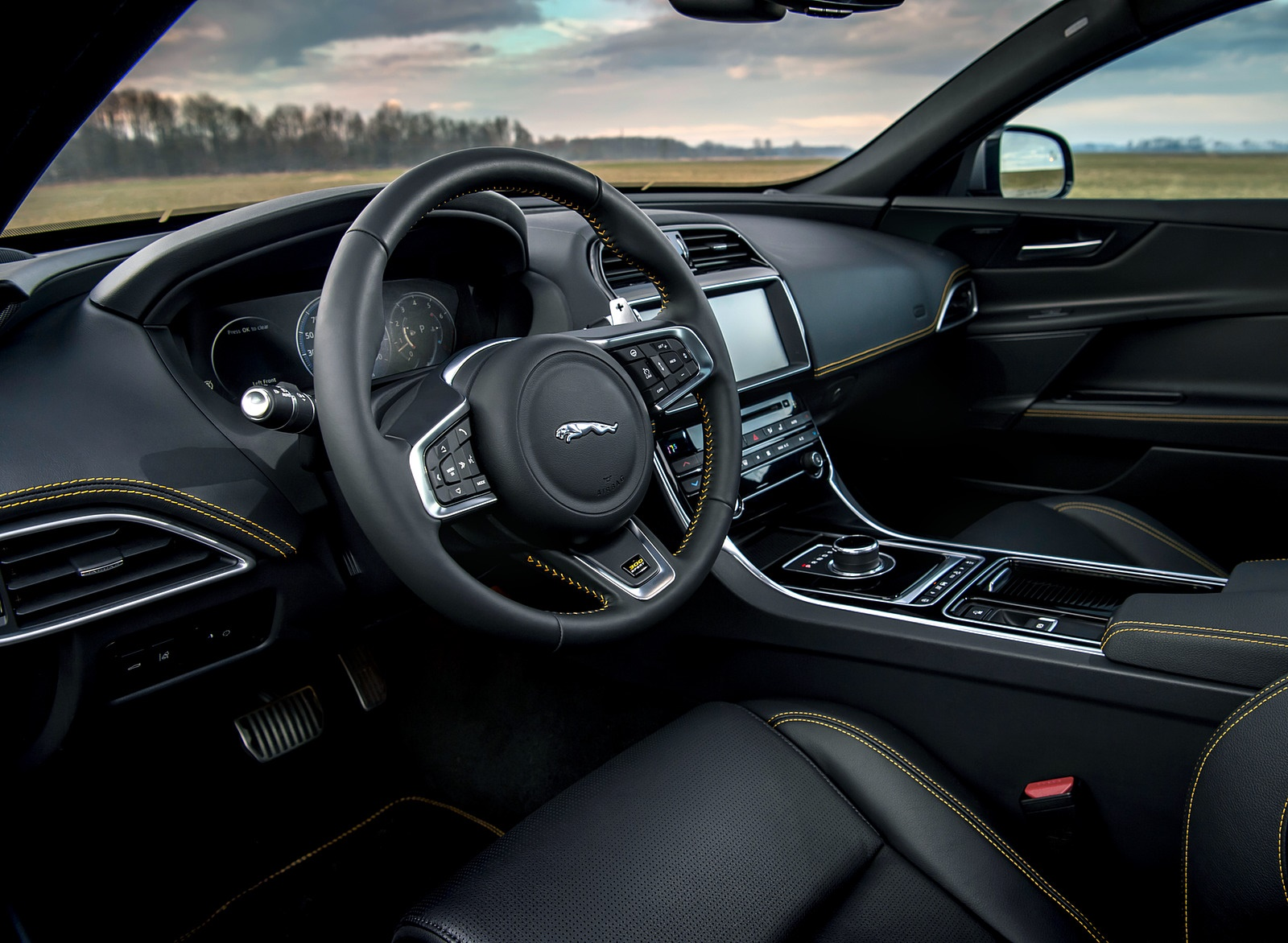 2019 Jaguar XE 300 SPORT Interior Wallpapers (15)