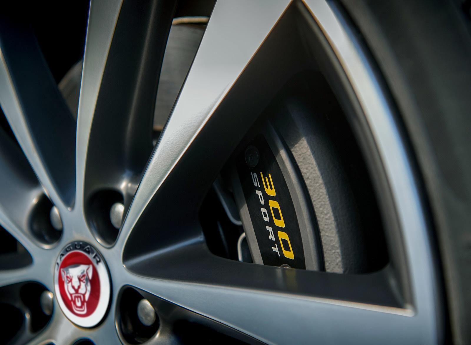 2019 Jaguar XE 300 SPORT Wheel Wallpaper (13)