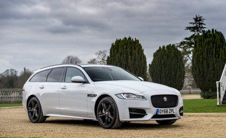 2019 Jaguar XF Sportbrake 20d AWD R-Sport Front Three-Quarter Wallpapers 450x275 (29)