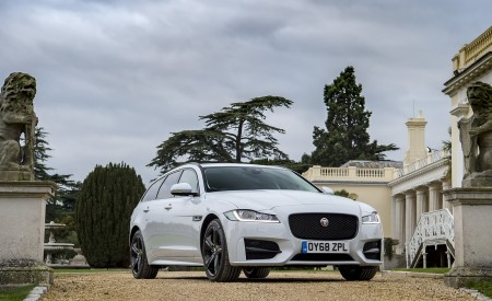 2019 Jaguar XF Sportbrake 20d AWD R-Sport Front Three-Quarter Wallpapers 450x275 (30)
