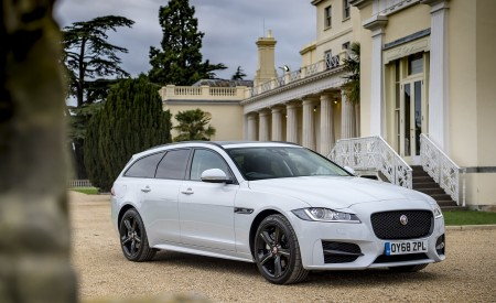 2019 Jaguar XF Sportbrake 20d AWD R-Sport Front Three-Quarter Wallpapers 450x275 (17)