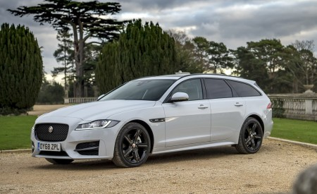 2019 Jaguar XF Sportbrake 20d AWD R-Sport Front Three-Quarter Wallpapers 450x275 (20)