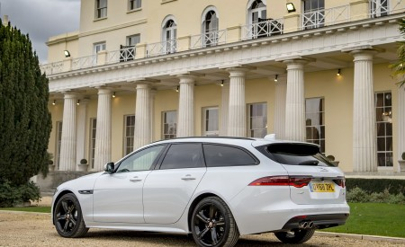 2019 Jaguar XF Sportbrake 20d AWD R-Sport Rear Three-Quarter Wallpapers 450x275 (26)