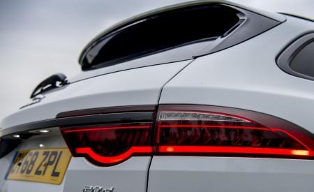 2019 Jaguar XF Sportbrake 20d AWD R-Sport Tail Light Wallpapers 450x275 (36)