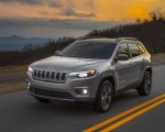 2019 Jeep Cherokee Limited Front Three-Quarter Wallpaper 150x120 (44)
