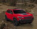 2019 Jeep Cherokee Trailhawk Front Three-Quarter Wallpapers 150x120 (39)