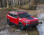 2019 Jeep Cherokee Trailhawk Front Three-Quarter Wallpapers 150x120 (41)