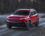 2019 Jeep Cherokee Trailhawk Front Three-Quarter Wallpapers 150x120 (7)