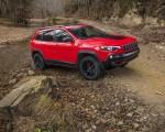 2019 Jeep Cherokee Trailhawk Front Three-Quarter Wallpapers 150x120 (40)
