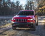 2019 Jeep Cherokee Trailhawk Front Three-Quarter Wallpapers 150x120 (19)