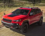 2019 Jeep Cherokee Trailhawk Front Three-Quarter Wallpapers 150x120 (2)