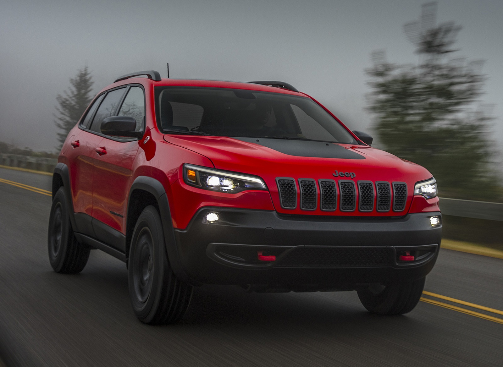 2019 Jeep Cherokee Trailhawk Front Wallpaper (9)