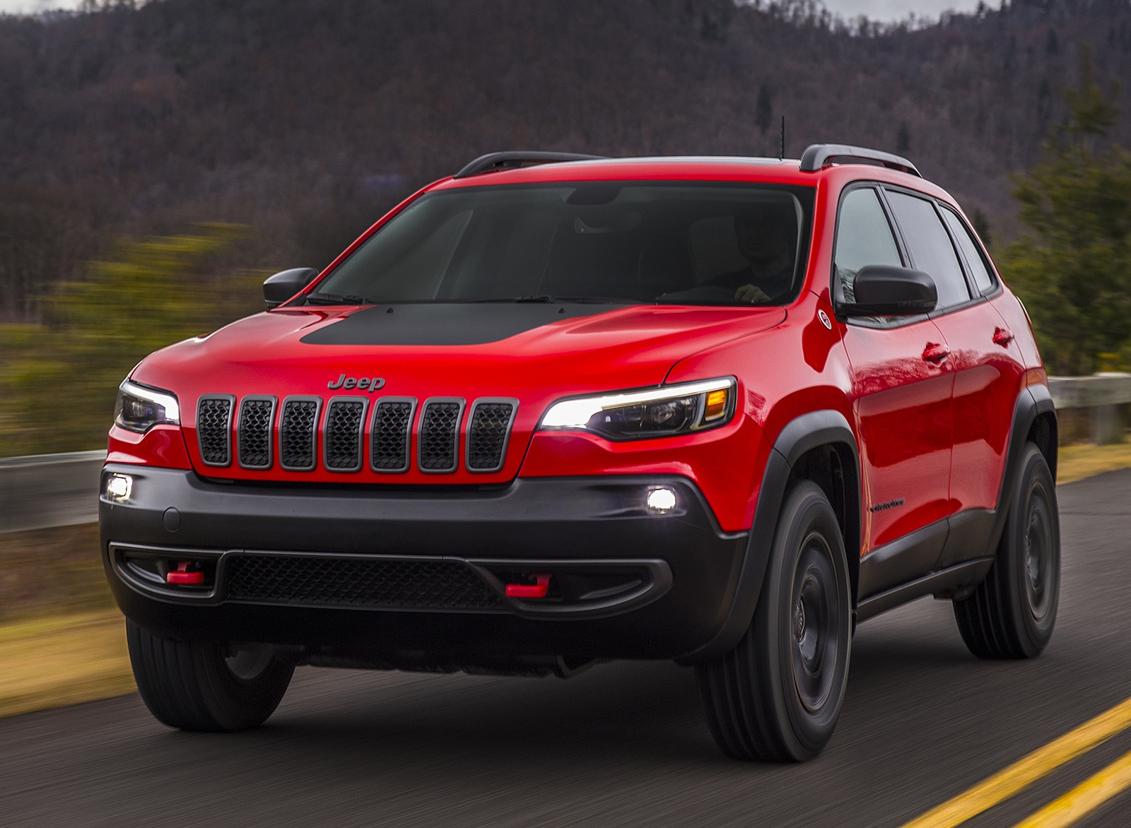2019 Jeep Cherokee Trailhawk Front Wallpaper (4)
