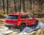 2019 Jeep Cherokee Trailhawk Rear Three-Quarter Wallpapers 150x120 (31)