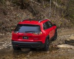 2019 Jeep Cherokee Trailhawk Rear Three-Quarter Wallpaper 150x120 (32)