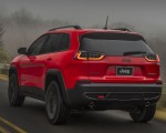 2019 Jeep Cherokee Trailhawk Rear Three-Quarter Wallpapers 150x120 (11)