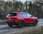 2019 Jeep Cherokee Trailhawk Rear Three-Quarter Wallpapers 150x120 (12)