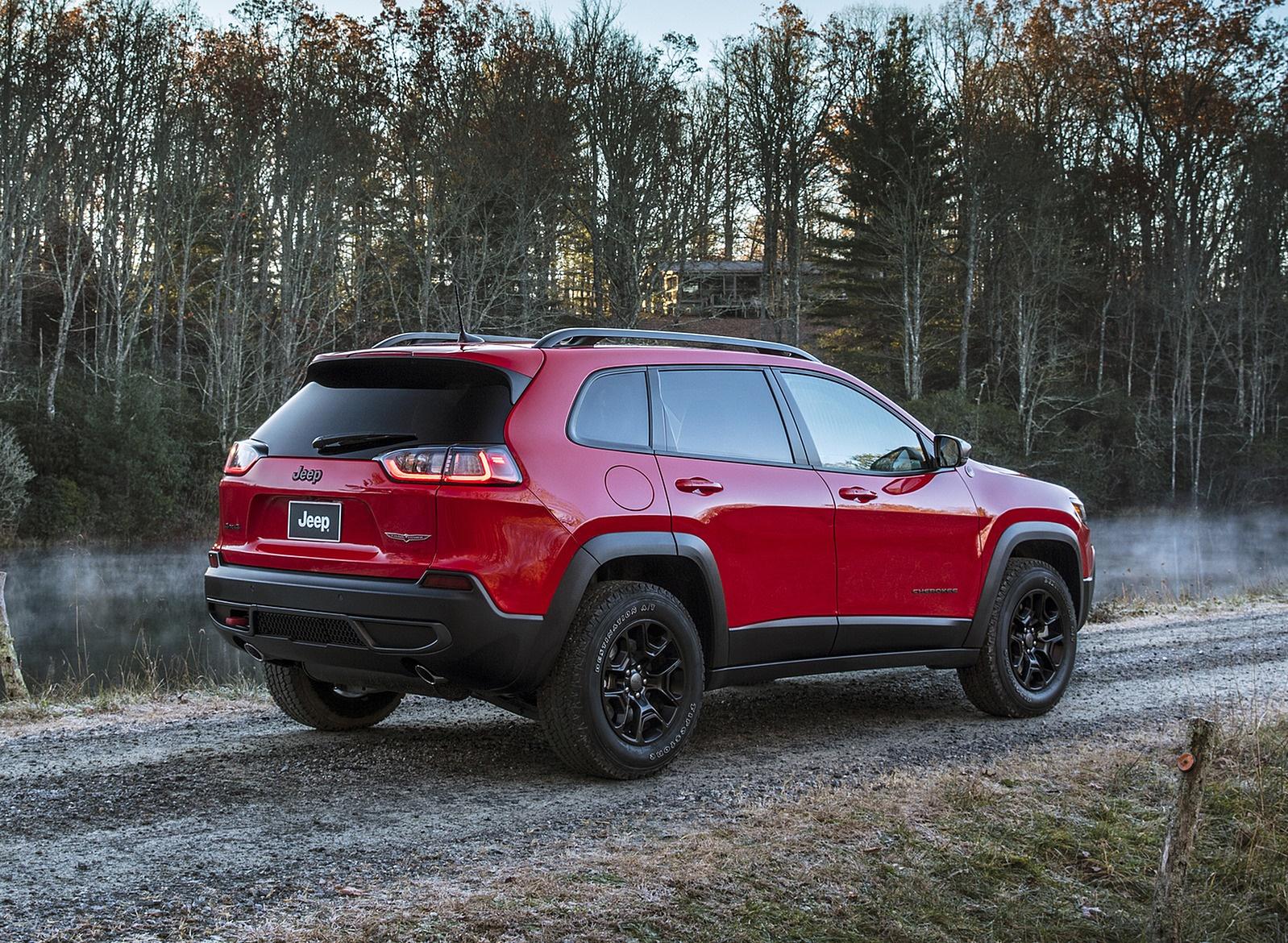 2019 Jeep Cherokee Trailhawk Rear Three-Quarter Wallpapers (12)