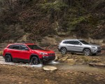 2019 Jeep Cherokee Trailhawk and Cherokee Limited Front Three-Quarter Wallpaper 150x120 (27)