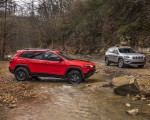 2019 Jeep Cherokee Trailhawk and Cherokee Limited Side Wallpaper 150x120 (24)