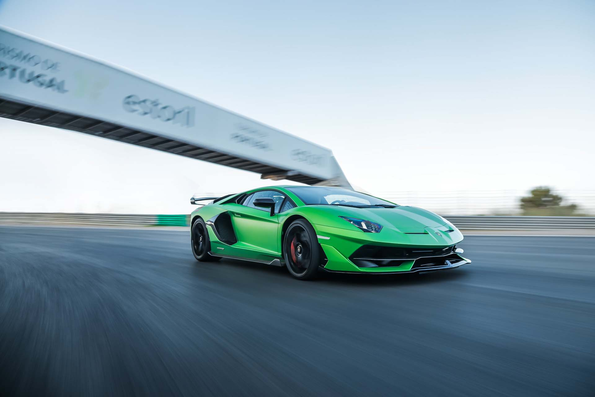 2019 Lamborghini Aventador SVJ Front Three-Quarter Wallpapers (2)