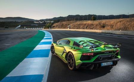 2019 Lamborghini Aventador SVJ Rear Three-Quarter Wallpapers 450x275 (30)