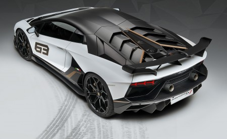 2019 Lamborghini Aventador SVJ Rear Three-Quarter Wallpaper 450x275 (175)