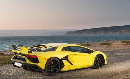 2019 Lamborghini Aventador SVJ Rear Three-Quarter Wallpapers 450x275 (216)