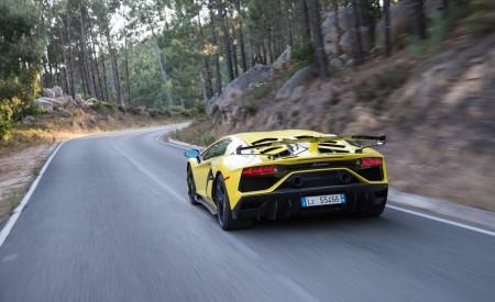 2019 Lamborghini Aventador SVJ Rear Three-Quarter Wallpaper 450x275 (208)