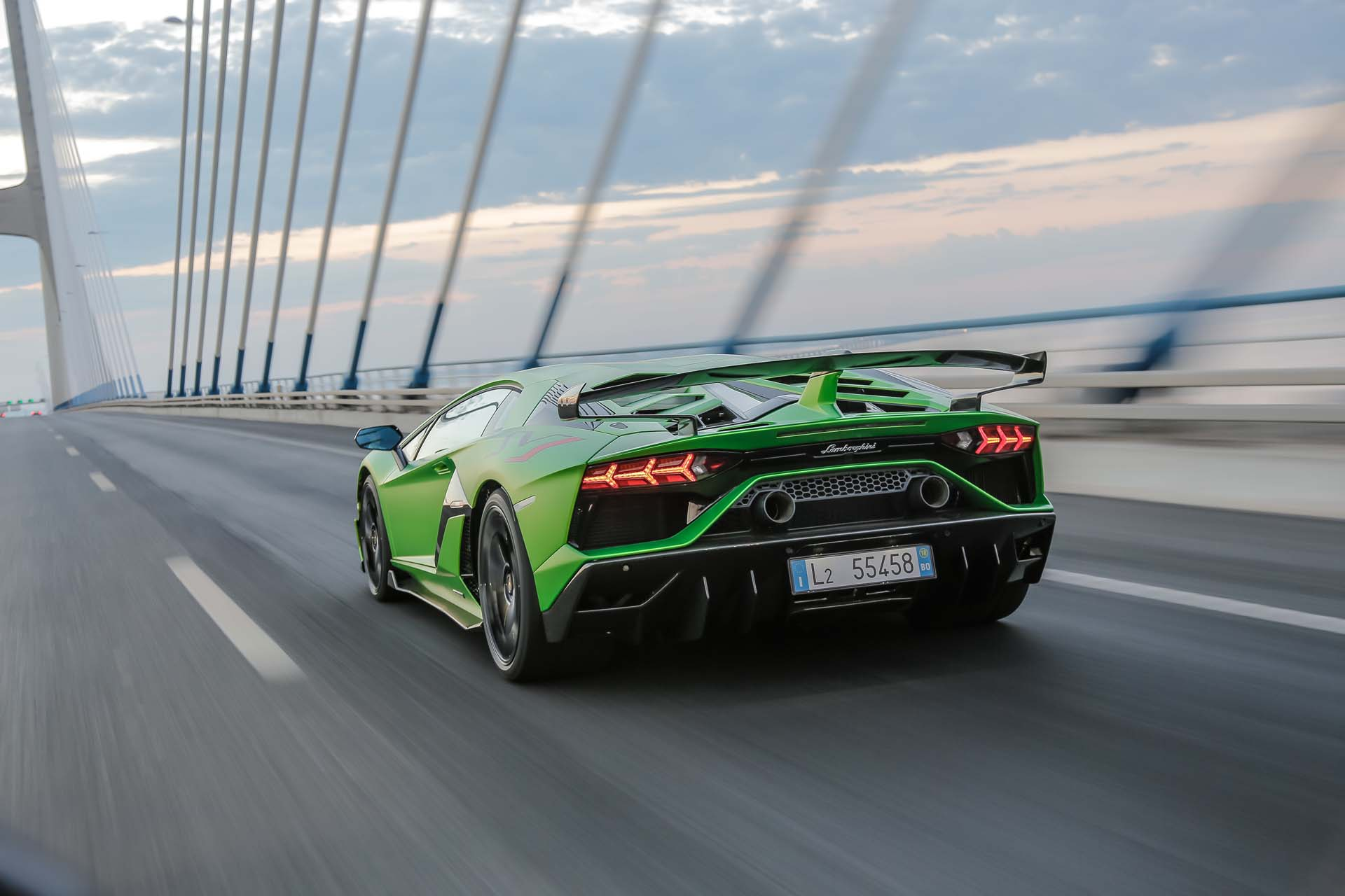 2019 Lamborghini Aventador SVJ Rear Three-Quarter Wallpapers #48 of 241