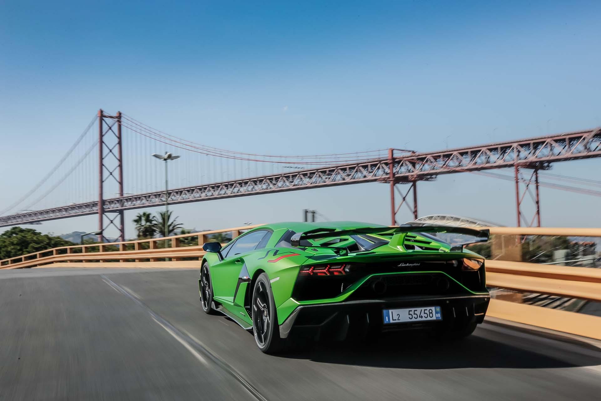 2019 Lamborghini Aventador SVJ Rear Three-Quarter Wallpapers #49 of 241