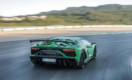 2019 Lamborghini Aventador SVJ Rear Three-Quarter Wallpapers 450x275 (20)