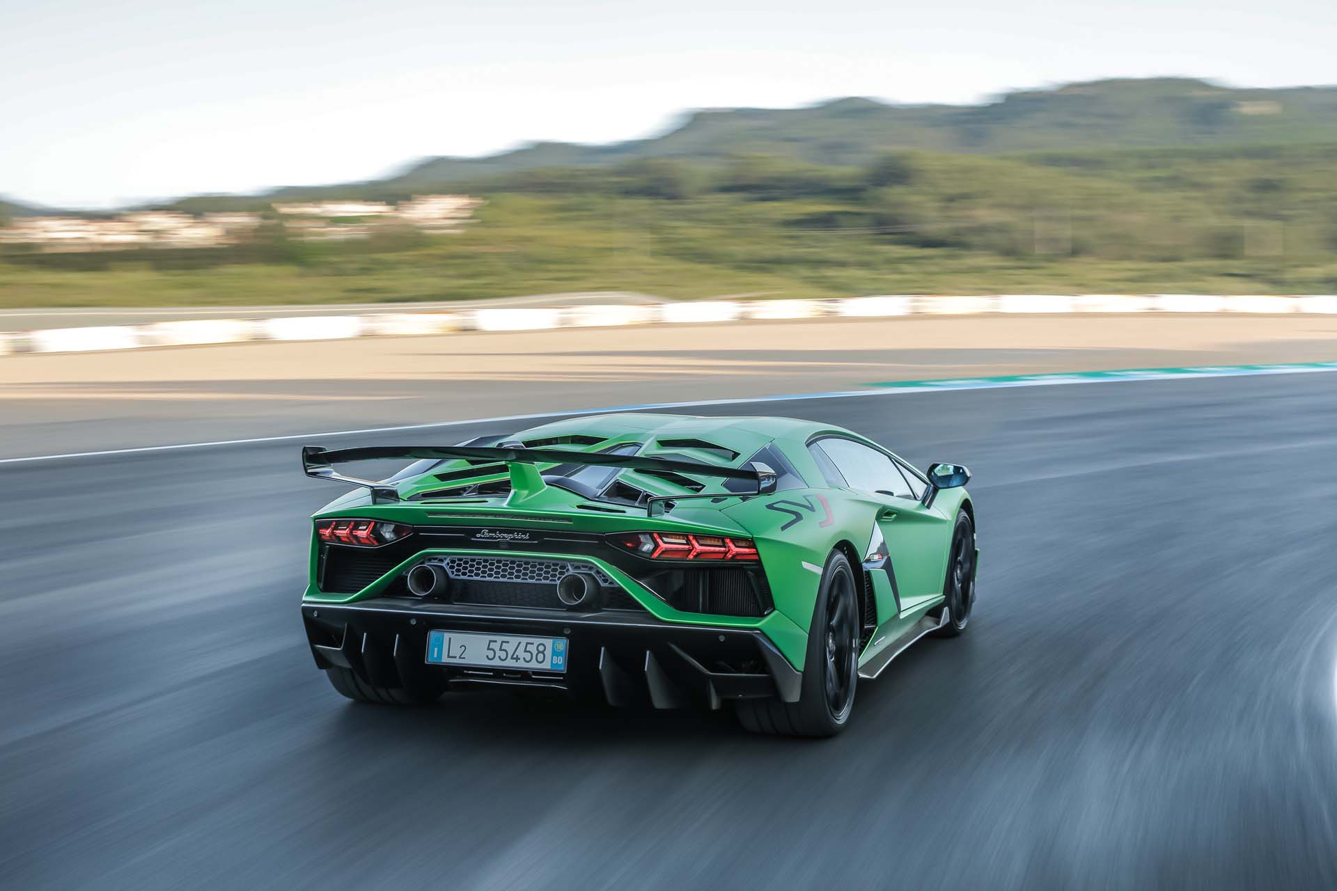 2019 Lamborghini Aventador SVJ Rear Three-Quarter Wallpapers #20 of 241