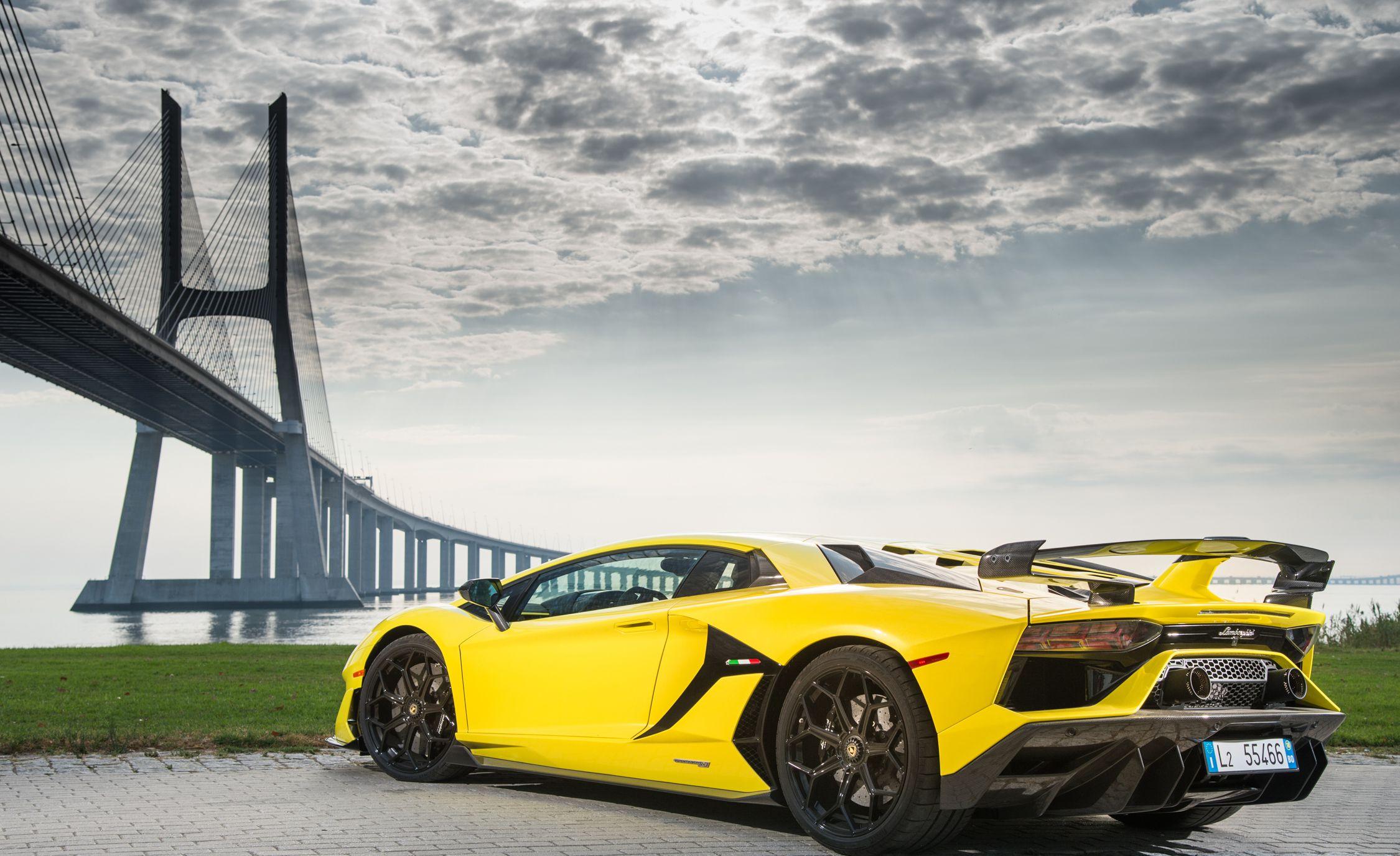 2019 Lamborghini Aventador SVJ Rear Three-Quarter Wallpaper (8)