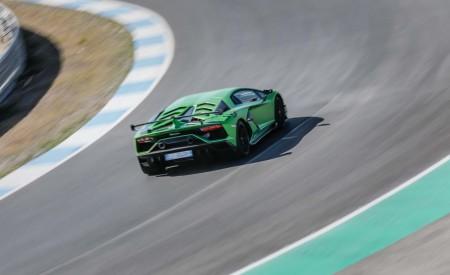 2019 Lamborghini Aventador SVJ Rear Wallpaper 450x275 (41)