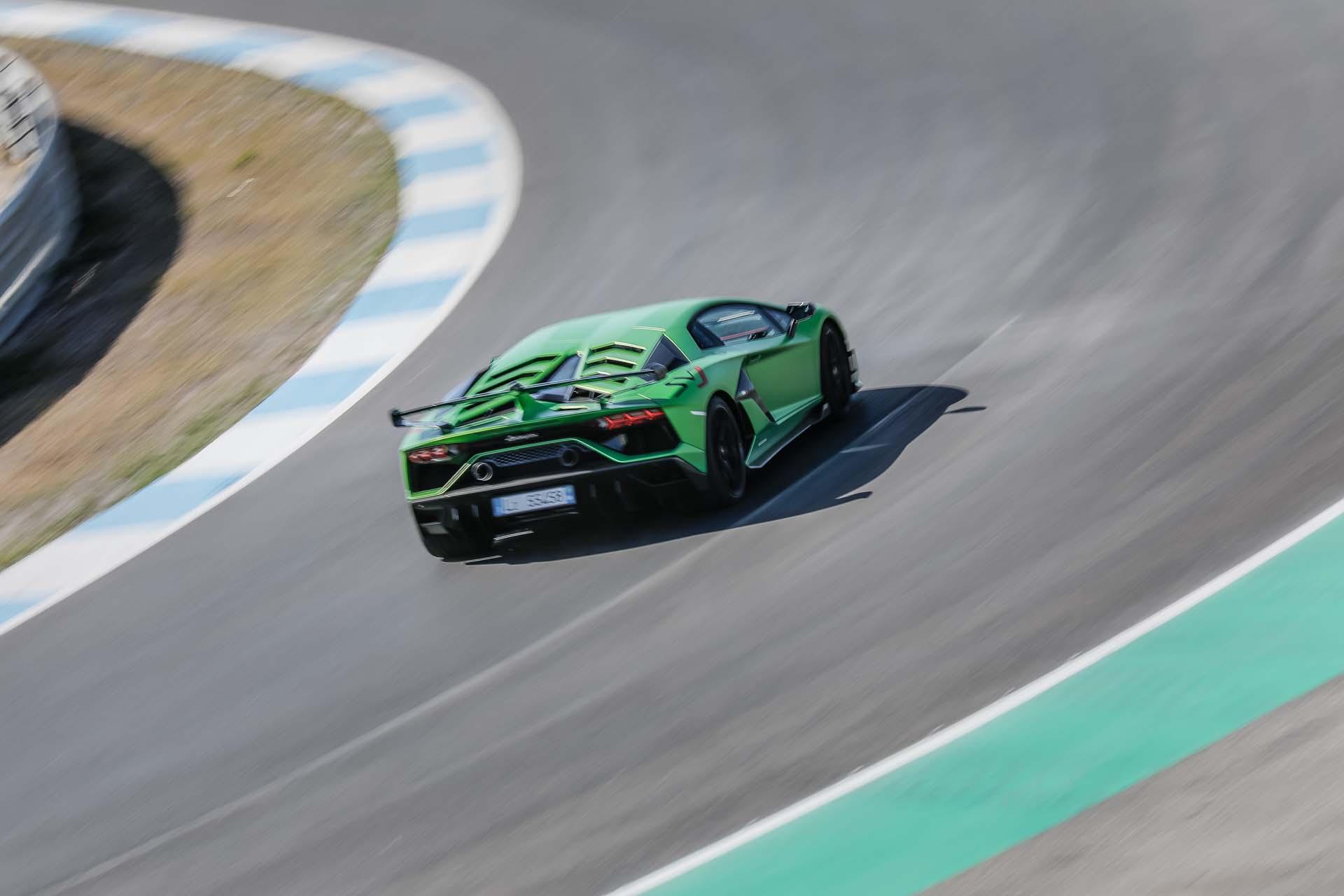 2019 Lamborghini Aventador SVJ Rear Wallpapers #41 of 241