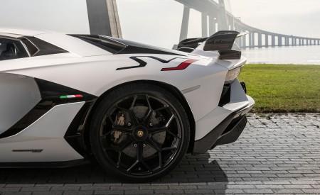 2019 Lamborghini Aventador SVJ Wheel Wallpaper 450x275 (138)