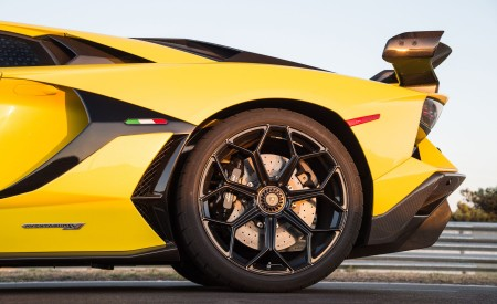 2019 Lamborghini Aventador SVJ Wheel Wallpaper 450x275 (100)