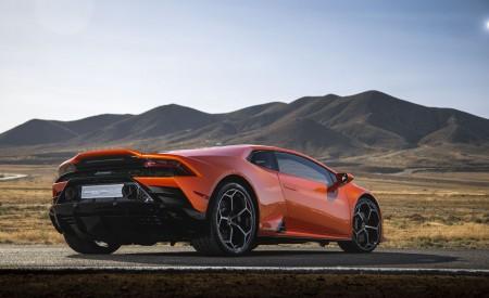 2019 Lamborghini Huracán EVO (Color: Orange) Rear Three-Quarter Wallpapers 450x275 (34)