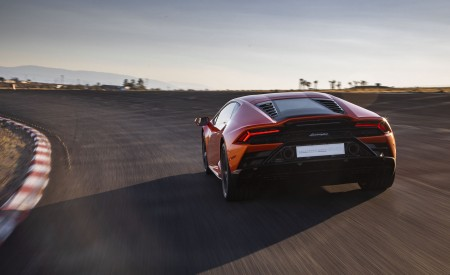 2019 Lamborghini Huracán EVO (Color: Orange) Rear Wallpapers 450x275 (29)