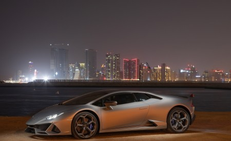 2019 Lamborghini Huracán EVO Front Three-Quarter Wallpapers 450x275 (70)