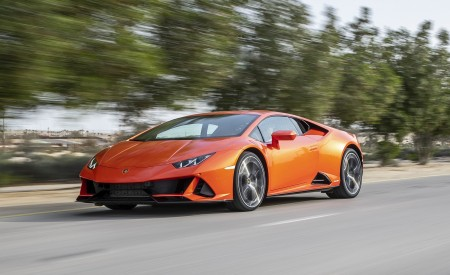 2019 Lamborghini Huracán EVO Front Three-Quarter Wallpapers 450x275 (37)