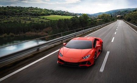 2019 Lamborghini Huracán EVO Front Three-Quarter Wallpapers 450x275 (79)